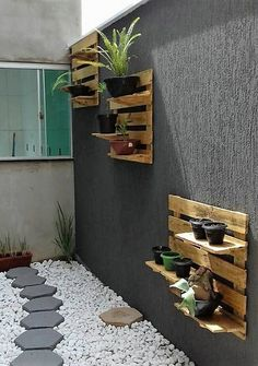Look at the webpage to learn more on Pallet DIY Diy Pallet Sofa, Wood Pallet Furniture, Diy Pallet Projects, Recycled Furniture, Rustic Furniture, Pallet Ideas, Furniture Design, Wooden Planter Boxes, Diy Planter Box