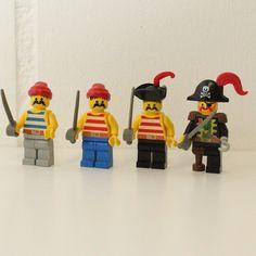The other side, the Pirates #retroLEGO #LEGOretro #brickcentral #minifigure #minifigures #legomania #legosonearth #legominifigure #legolove #bricks #brickslego #instalego #MiniFig #LEGOs #toy #instalove #instapicture #photooftheday #picoftheday #AFoL #ELF #legostagram #LEGOlover #LEGO #LEGOfriend #SwissBlogger #PokipsieBrick #analog #spielzeug