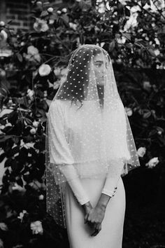 Modern bride minimal bride modern wedding Lola Varma Courtney Illfield unique bride cool bride minimal outfit vogue wedding vogue bride New York wedding spotty veil bridal veil Lace Wedding Dress, Best Wedding Dresses, Wedding Veils, Bridal Dresses, Bridal Veils, Hair Wedding, Dress Lace, Modest Wedding, Wedding Bouquets