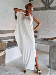 Kaftan vestido marfil con detalles de encaje de malla / asimétrica abrir nuevo vestido Oversize flojo vestido / #35087 Este maxi vestido elegante, sofisticado, suelto y cómodo, se ve tan impresionante, con un par de tacones como lo hace con pisos. Usted puede usar para una ocasión especial o puede ser tu vestido cómodo. >>> Ver carta de colores aquí: https://www.etsy.com/listing/235259897/viscose-color-chart?ref=shop_home_active_4 -Artícul...