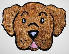 Tapete Frufru com Anti derrapante.  O Kit banheiro possui 2 tapetes.    Tamanho de cada tapete: 63x52cm    Como lavar o seu tapete: Você pode lavá-lo a mão ou até mesmo na máquina. Neste caso, deve ser lavado separadamente de qualquer outra peça e no modo delicado. Fru Fru, Malu, Crochet, Animals And Pets, Scooby Doo, Rugs, Sewing, Colorful Rugs, Homemade Rugs