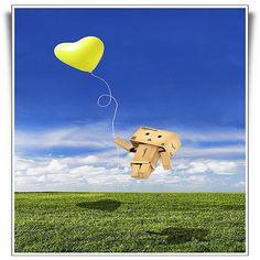 Danbo - Drawn by Love Cardboard Robot, Box Robot, Japanese Robot, Danbo, Cute Box, Heart Balloons, Little Boxes, Toys Shop, Cover Photos