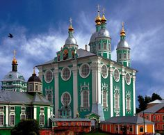 Upensky Cathedral (1772), Smolensk - Atop Cathdral Hill, is the principal church of the Smolensk bishopric for 800 years.
