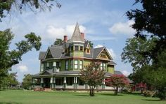 Gorgeous Victorian home in Dublin, Texas http://www.texansunited.com/dublin/sites/the-harris-house/ #TexasHistory