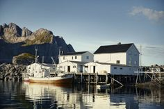 Lofoten, Norway Lofoten, Viking Facts, Beautiful Norway, Nordic Living, Scandinavian Countries, Midnight Sun, London Bridge, Reference Images, Beautiful Landscapes