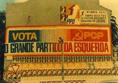 Murais de Abril (foto de António Paixão Esteves cedida pelo Centro de Documentação 25 de Abril) Street Art, 1, Murals, April 25, Centre, Pictures