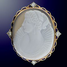 Cameo of an Elizabethan lady.