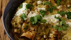 Guy Fieri's Turkey Enchiladas with Fire-roasted Tomatillos from Rachel Ray - Five recipes you must try before you die Turkey Recipes, Meat Recipes, Mexican Food Recipes, Chicken Recipes, Dinner Recipes, Cooking Recipes, Healthy Recipes, Rachel Ray, Guy's Big Bite