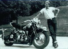 The Early Harley-Davidson Motorcycle Vintage Harley Davidson, Harley Davidson Photos, Harley Davidson Museum, Classic Harley Davidson, Harley Davidson Knucklehead, Harley Davidson Motorcycles, Vintage Bikes, Vintage Motorcycles, Indian Motorcycles