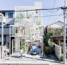 na house tokyo japan japanese architecture japanese architect sou fujimoto glass house Sou Fujimoto, Architect House, Architect Design, Japanese Architecture, Interior Architecture, Classical Architecture, Landscape Architecture, Contemporary Architecture, House Tokyo