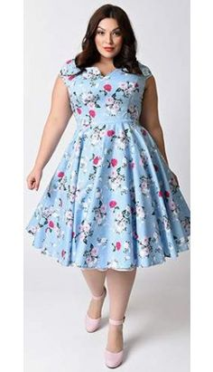Hell Bunny Plus Size Style Pale Blue Floral Cap Sleeve Belinda Swing Dress Vintage Outfits, Vintage Style Dresses, Unique Dresses, Pin Up Kleidung, Plus Size Kleidung, Curvy Fashion, Modest Fashion, Plus Size Fashion, Rockabilly Mode