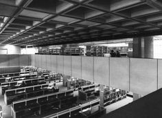 Reading room, Birmingham Central Library, 1974 (Copyright: Architectural Press Archive / RIBA Library Photographs Collection)