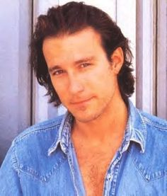 John Corbett  ¡Me encanta este hombre! Desde Doctor en Alaska, Mi Gran Boda Griega o Sex in the City...... uffff