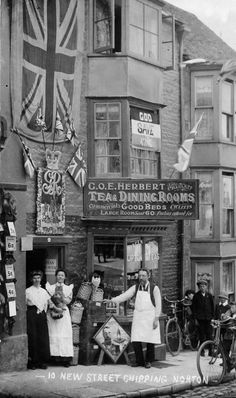 Proud owners (and cats) of a tea shop and dining room in Chipping Norton, England Post with 0 votes and 1509 views. Proud owners (and cats) of a tea shop and dining room in Chipping Norton, England Antique Photos, Vintage Pictures, Vintage Photographs, Old Pictures, Old Photos, Victorian London, Vintage London, Victorian Era, Victorian History
