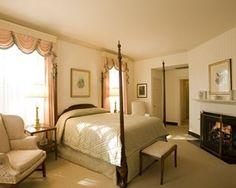 Luxury Room, King, 500 SQFT/19th century Regency decor, fireplace, marble bath.
