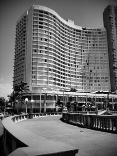 Elangeni Hotel, via Flickr. News South Africa, Durban South Africa, West Africa, Johannesburg City, Kwazulu Natal, African History, City Buildings, Old Pictures, Live
