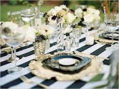 black and white wedding ideas. Photographer: Wendy Laurel & Images by Jeffrey - wish-upon-a-wedding Wedding Events, Our Wedding, Dream Wedding, Deco Table, A Table, Black And White Wedding Theme, Maui Weddings, White Weddings, Black White Gold
