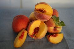 Peach/Cherries in White WineJust wanted to share this delicious recipe from Lidia Bastianich with you - Buon Gusto! Peaches in White Wine Lidia's Recipes, Great Recipes, Dessert Recipes, Healthy Recipes, Italian Cooking, Italian Recipes, Lidia Bastianich, Ice Cream Desserts, Deep Dish