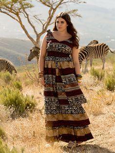 Savana - Tons de terra e estampas étnicas prestam uma homenagem ao misterioso continente africano. Modelos em tamanhos do 44 ao 52