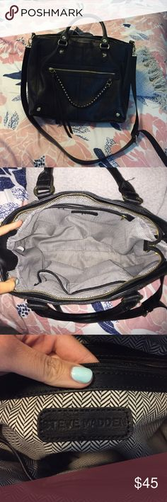 Steve Madden Purse Great condition Steve Madden bag. A nice size bag, can be used for an everyday purse or even a school bag! No wear to it and only carried a handful of times! Make an offer :) Steve Madden Bags