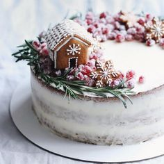 78 Classic Christmas Cake Decorating Ideas - chic better Make sure you check out each of the cake ideas below. And get inspired and get some great ideas for your Christmas cake decorating ideas.