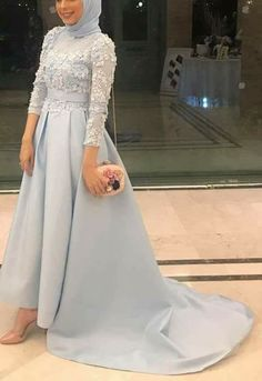 Hijab Mode Elibise Do It Yourself Landscape Design - Where To Begin There's an old saying that state Muslim Prom Dress, Hijab Prom Dress, Hijab Gown, Hijab Evening Dress, Hijab Style Dress, Hijab Wedding Dresses, Evening Dresses, Prom Dresses, Dress Brokat