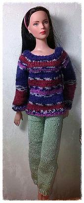 Ravelry: Basic Sweater for Tonner Dolls (16'') or Minifee pattern by Samira Jessica