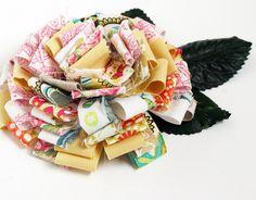 scrap flower tutorial in Rebecca Sower's etsy shop Felt Flowers, Diy Flowers, Fabric Flowers, Paper Flowers, Ribbon Flower, Flower Diy, Material Flowers, Flower Corsage, Ribbon Hair