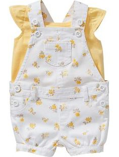 Cutest overall set I've ever seen for a baby girl. Love this! <3 Find it at Old Navy.