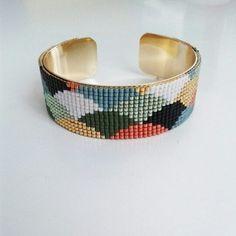 Manchette en perles tissées large de 2 centimètres : Bracelet par latelier-des-beaux-lieux
