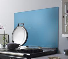 #kitchens #kitchenaccessories #kitchendesign #splashback #blue Coloured Glass Splashbacks, Splashback Ideas, Blue Backsplash, Stylish Kitchen, Colored Glass, Kitchen Accessories, Kitchen Design, Diva, Kitchens