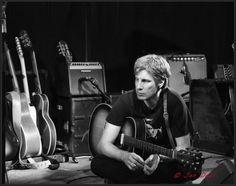 Scott Matthews preparing for the gig Tours, Black And White, Artists, Self, Music, Black N White, Black White, Artist