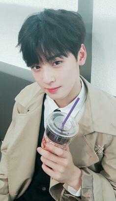 I him so much hhHhhhhh Cha Eunwoo Astro, Astro Wallpaper, Astro Fandom Name, Park Hyung Sik, Cha Eun Woo, Kdrama Actors, Sanha, Vixx, Kpop Boy