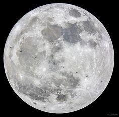 ¿Qué son esas manchas que hay delante de la Luna? Son siluetas de la Estación Espacial Internacional. Con una cuidadosa planificación y una fracción de segundo, un fotógrafo lunar meticuloso captó diez imágenes de la Estación pasando por delante de la Luna llena del mes pasado. Pero no era cualquier Luna llena, era la primera de las tres superlunas consecutivas de 2016.