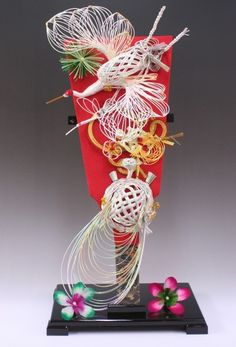 Hagoita | my blog Japanese Party, Japanese New Year, Ribbon Crafts, Paper Crafts, New Years Decorations, Weaving Art, Faux Flowers, Japanese Culture, Arts And Crafts