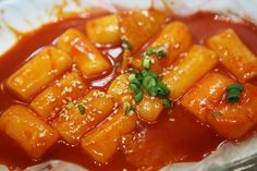 "[홍대/맛집] 죠스 떡볶이] This is spicy food called ""떡볶이"". It is made using rice cake."