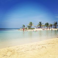 Holiday Inn Sunspree Resort: Montego Bay, Jamaica ❤   Had a fantastic 26th birthday here!