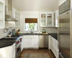 Nützliche Tipps für die kompakte Küche -  weiße Küchenschränke