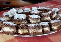 Grízes-lekváros kakaós kocka Hungarian Recipes, Hungarian Food, Creative Cakes, No Bake Cake, Ham, Cake Recipes, Bacon, Food And Drink, Snacks