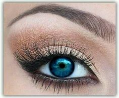 Blue eyes makeup.
