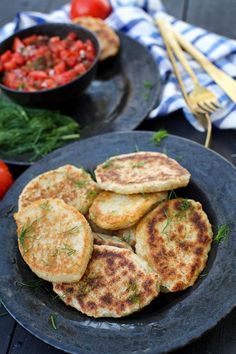 If comfort food equals potatoes for you too then youll love this potato pancakes recipe. Easy to make from leftovers as well. Best Vegetarian Recipes, Healthy Recipes, Vegan Sour Cream, Potato Pancakes, Vegan Burgers, How To Cook Potatoes, Food Processor Recipes, Cooking Recipes