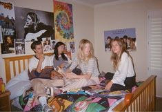 Holiday 2017 Collection: The Baby-Sitters Club Best Friend Pictures, Friend Photos, Photo Portrait, Poses References, Friend Goals, Teenage Dream, Coming Of Age, Summer Aesthetic, Fall Displays