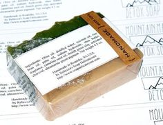 DIY Ideas for Homemade Soap Labels links to soap recipes as well  http://soapdelinews.com/2013/09/diy-ideas-for-homemade-soap-labels.html