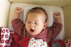Những lý do khiến trẻ bị thức giấc lúc nửa đêm.