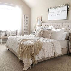 Nice 60+ Rustic Farmhouse Style Master Bedroom Ideas