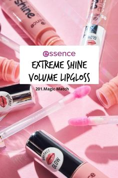 """With the vegan """"extreme shine"""" volume lipgloss in the shade """"201. Magic Match"""", your lips will look and feel fresh and plumpy: Pumped up, with a glossy shine, in an irresistible wet-look. This new range comes in 15 (!) beautiful shades.with different effects. Lipgloss, Liquid Lipstick, Wet Look, Lip Balm, Make Up, Shades, Magic, Range, Vegan"""