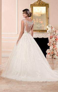 6358 Brautkleid im Prinzessin-Stil mit V-Ausschnitt by Stella York