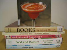 Cocktails and finger food. Food and culture. Tea Cocktails, Sounds Good, Food Lists, Afternoon Tea, Finger Foods, Food Food, Culture, Book Spine, Tableware