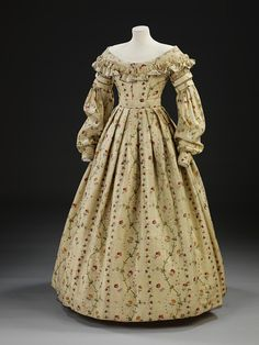 1837-40 printed challis Dress | V Search the Collections