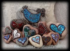 """Love a Bird"" Mosaic Rocks / Garden Stones by Chris Emmert, via Flickr"